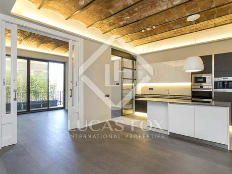 163m² Apartment with 15m² terrace for rent in Eixample Right