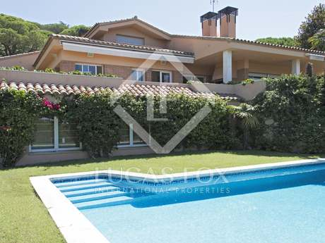 Large Maresme Coast family house to buy in Cabrils, sea views