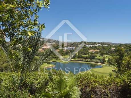 Penthouse van 220m² te koop met 80m² terras in Los Monteros