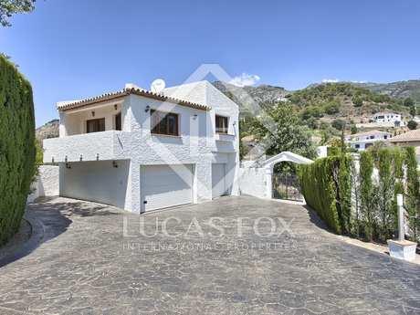 Property with pool for sale in Las Lomas de Mijas