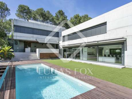 600m² house for sale in Sant Cugat, Barcelona
