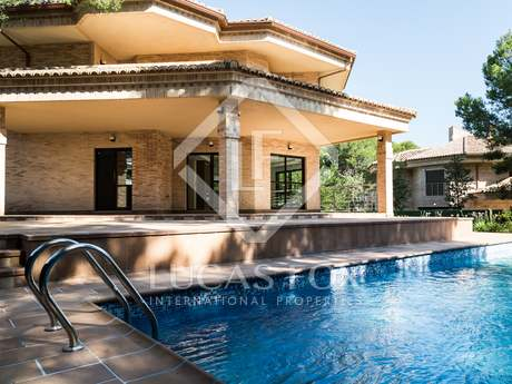 New 6-bedroom villa for rent in La Eliana Valencia