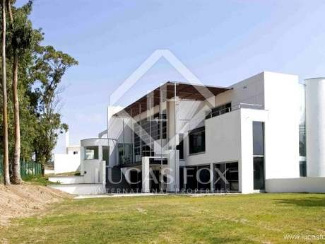 Modern 5-bedroom property to buy near Sintra