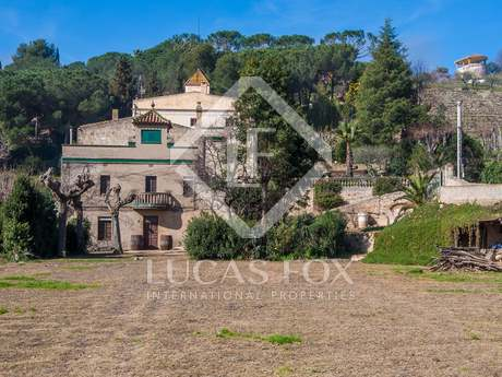 Semi-detached traditional Catalan masia to buy, Alella