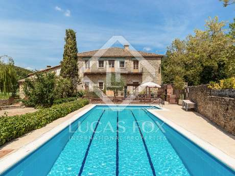 1,580m² Hus/Villa till salu i La Garrotxa, Girona