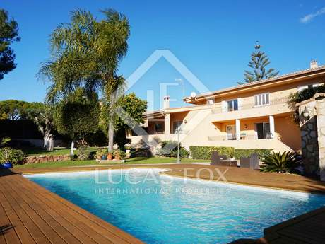 4-bedroom villa with garden and pool for sale in Alfinach