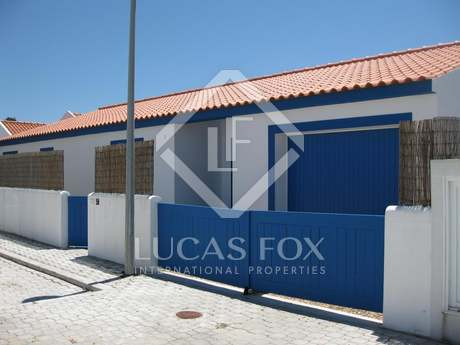3 bedroom villa for sale in tranquil location close to Troia