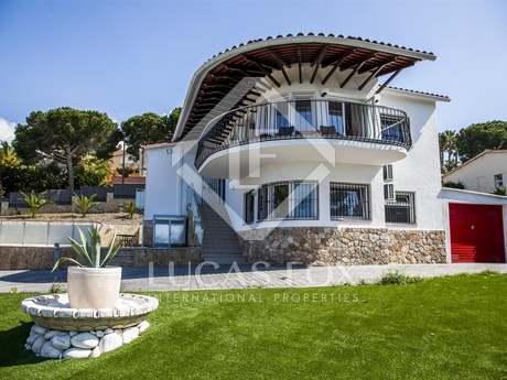Maison / Villa de 230m² a vendre à Lloret de Mar / Tossa de Mar