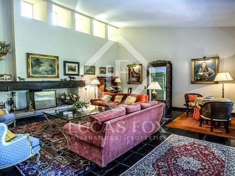 Classic 5-bedroom villa to buy in the exclusive Pozuelo area