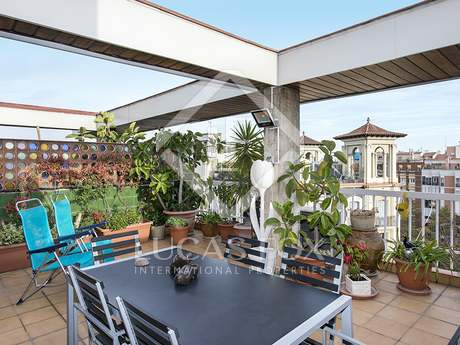 3-bedroom penthouse with terrace for sale in Sagrada Familia