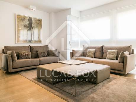 Sunny 4-bedroom apartment for sale in San Francesc, Valencia