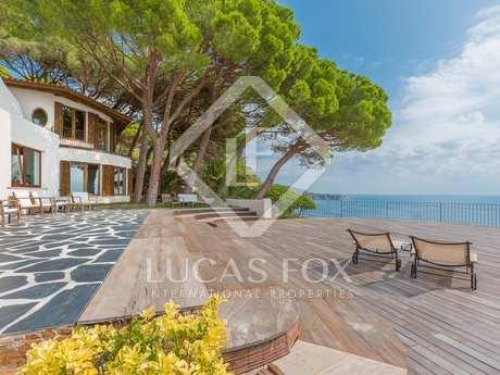 First line luxury villa to buy in Punta Brava, Costa Brava