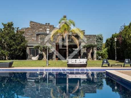 800m² Hus/Villa med 3,500m² Trädgård till salu i La Eliana