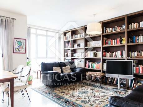 2-bedroom apartment with balcony for sale in Valencia City