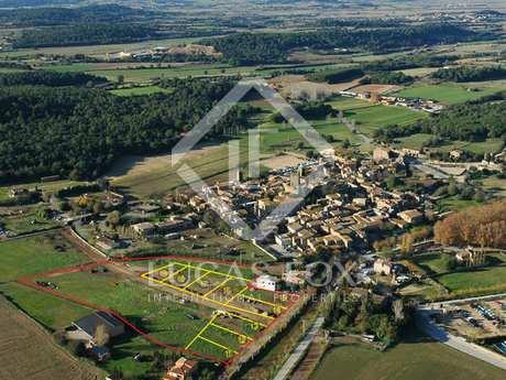 Exclusive building plots to buy in Peratallada, Girona