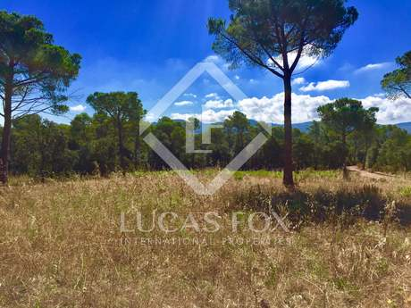 Terreno di 10,050m² in vendita a Baix Emporda, Girona