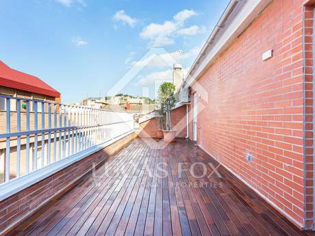 Newly renovated penthouse with a terrace to buy in Zona Alta