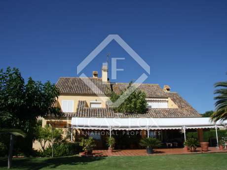 5-bedroom villa with 500m² garden for rent in Puzol