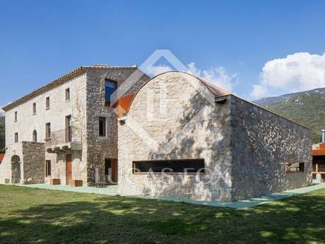 Luxury Girona country mansion to buy near the French border