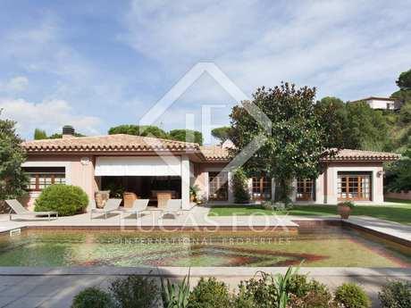 Luxury Costa Brava golf property to buy close to the beach