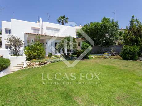 194m² house for sale in Vallpineda, Sitges