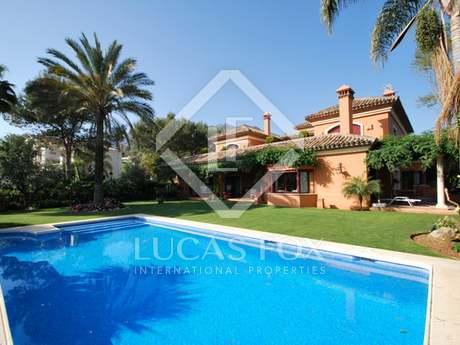 5-bedroom villa for sale in Altos Reales, Marbella