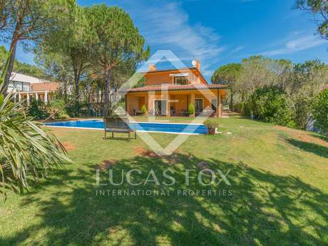House with guesthouse for sale in Begur