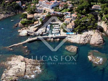 Costa Brava first line house to buy. Begur first line house