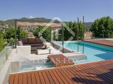 Designer house to rent in Sant Just Desvern, near Barcelona