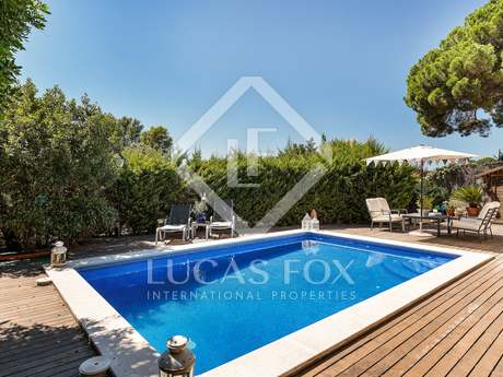 在 Sant Cugat, 巴塞罗那 192m² 出售 豪宅/别墅 包括 花园 460m²