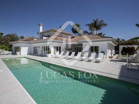 Luxury frontline golf villa for sale in Nueva Andalucia, Marbella