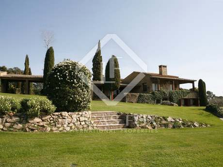 Luxury equestrian estate to buy near the Costa Brava
