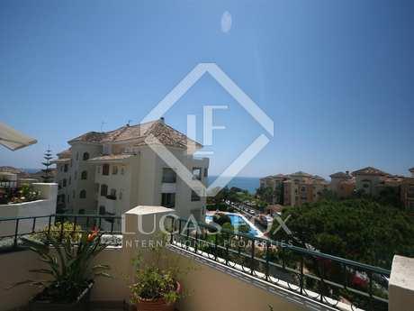 Apartamento de lujo en venta en Elviria, Marbella