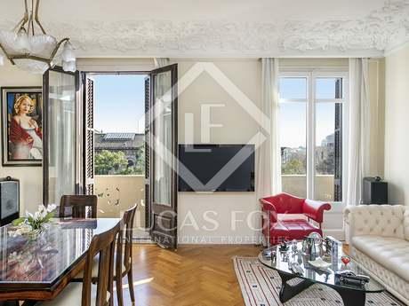 Apartamento de 5 dormitorios en venta en calle Diputació