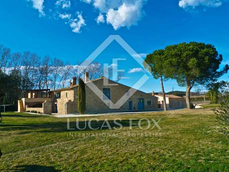 Girona country farmhouse for sale on the Costa Brava