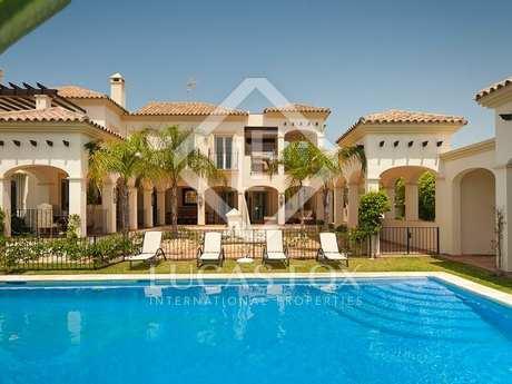 6 bed beach side, for sale, Bahia de Marbella, Marbella.