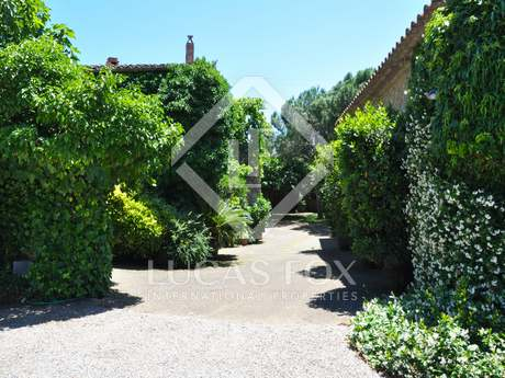 Girona rustic property to buy near Figueres and Costa Brava