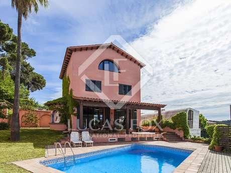 Casa de época con jardín y piscina en venta en La Floresta