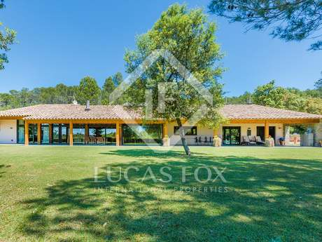 Luxury contemporary house to buy in the Alt Emporda, Girona