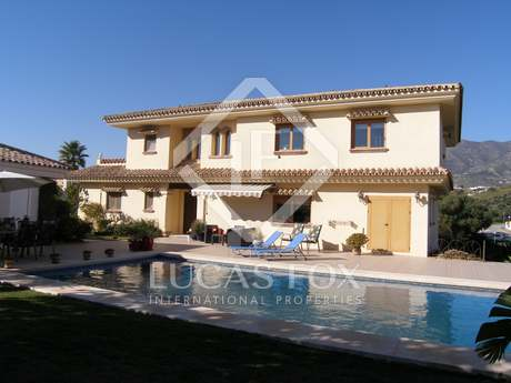6-bedroom family home with a pool for sale in Mijas