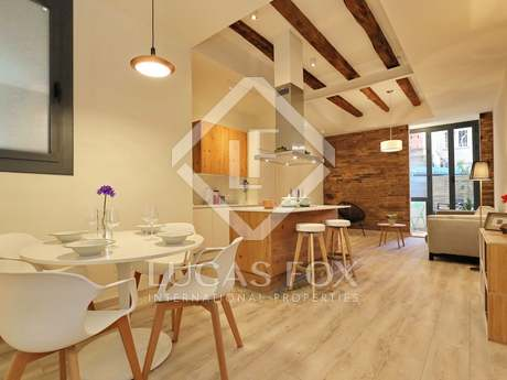 2-bedroom apartment with a terrace to buy on Calle Diputació