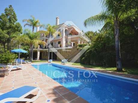 Villa en venta en Río Real, Marbella