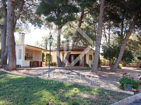 340m² house with 1,500m² garden for sale in Puzol