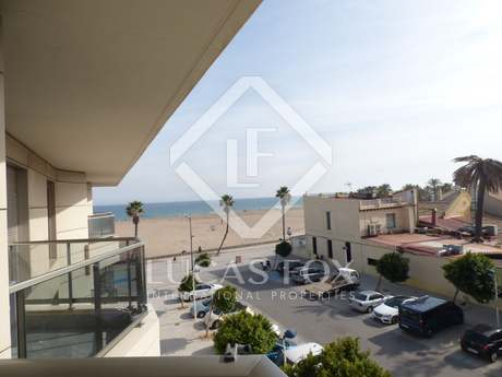 2-bedroom beachfront apartment for sale in Playa Patacona