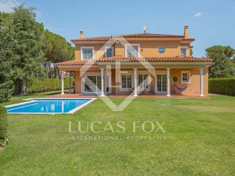 Wonderful family house for sale in Montrás