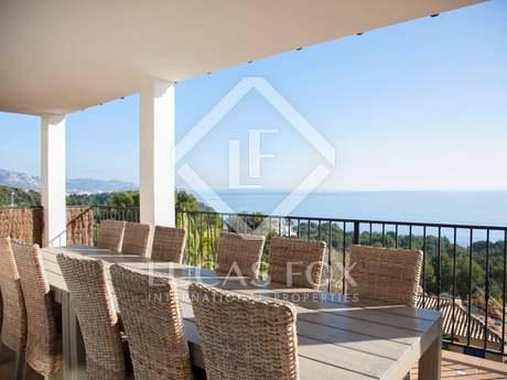 Maison / Villa de 255m² a vendre à Blanes, Costa Brava