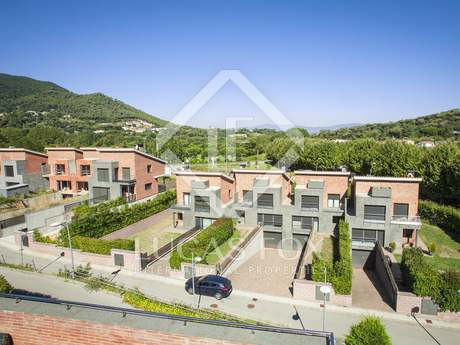 250m² house for sale in Vallromanes, Maresme