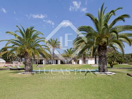 Luxury villa for sale on the Barcelona-Maresme coast