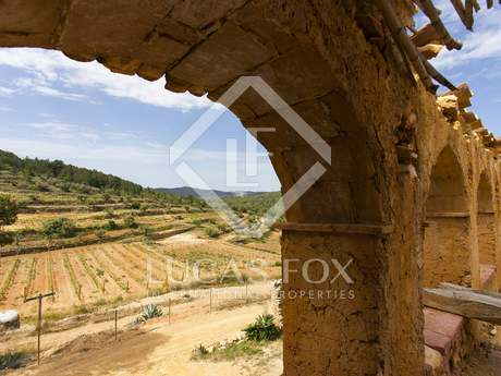 Vast country estate for sale in Tarragona, Spain