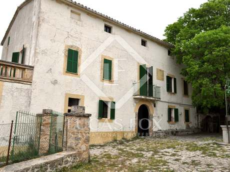 Country estate for sale in Puigpunyent, North West Mallorca